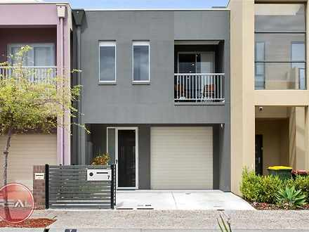 House - 7 Macmillan Avenue,...