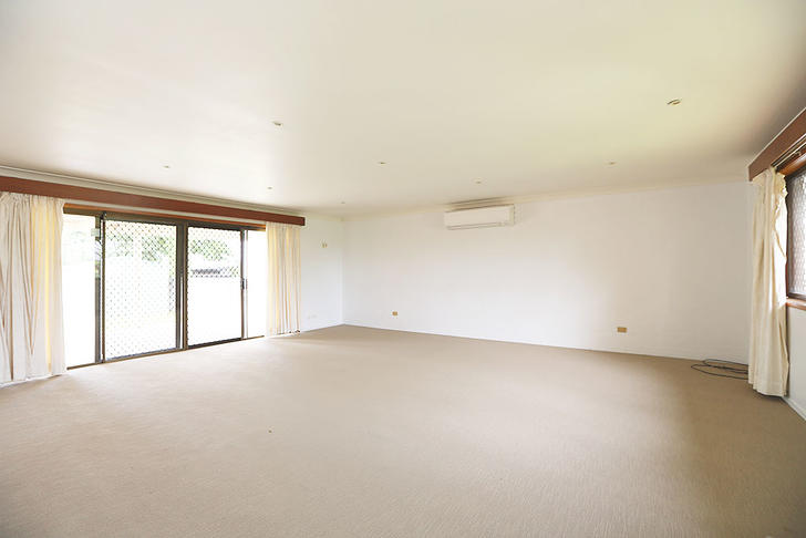 04 living room 1523243381 primary