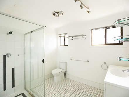11 main bathroom 1523243381 thumbnail