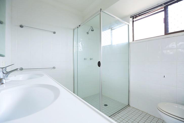 09 ensuite bathroom 1523243381 primary