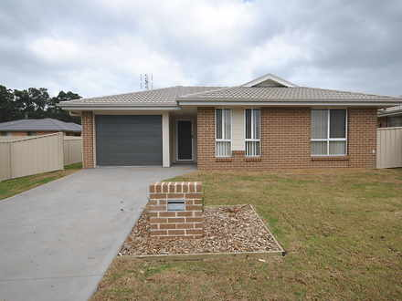House - 14 Candlebark Close...