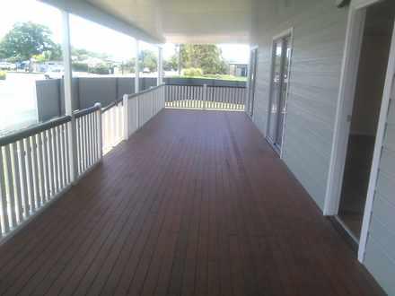 Front deck c 1524193235 thumbnail