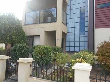 Townhouse - 6 Tower Avenue,...