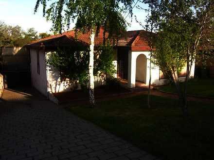 House - 114 Darebin Bouleva...