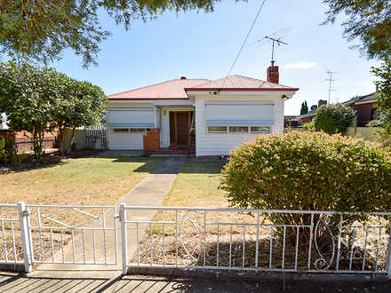 House - 5 Cramond Avenue, W...