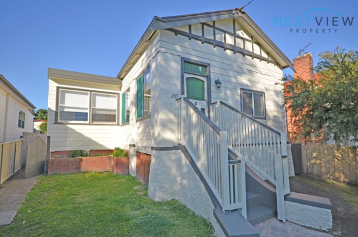 House - 30 Karoola Road, La...