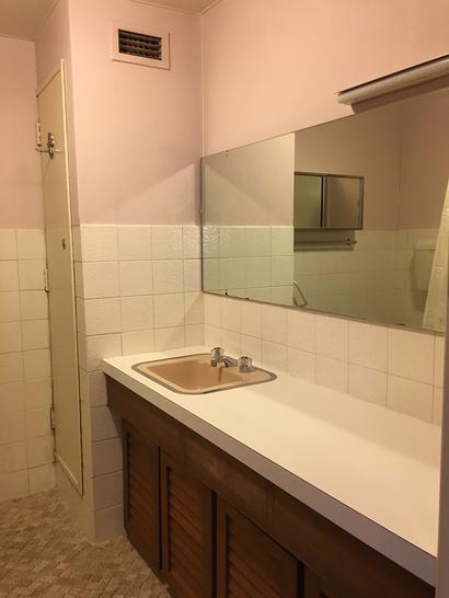 E16c0342fa243d52e6c3d388 27072 bathroom 1589947991 primary