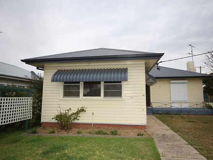 House - 68 Carl Street, Mus...