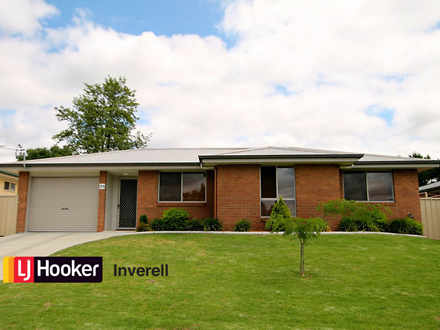House - 12A Brownleigh Vale...