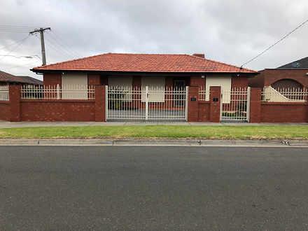 House - 25 Robinvale Avenue...