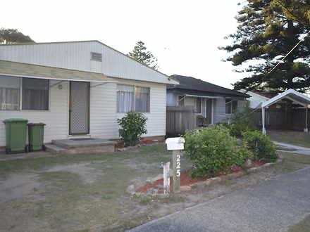House - 225 Ocean Beach Roa...