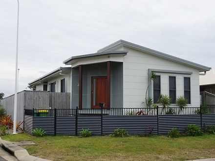 House - 32 Cordia Street, R...