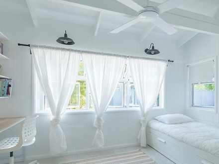 Bedroom 1527145411 thumbnail