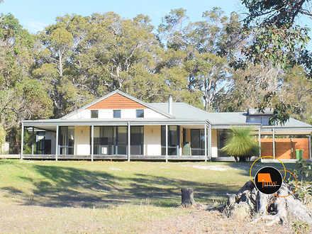 House - 152 Wisteria Drive,...