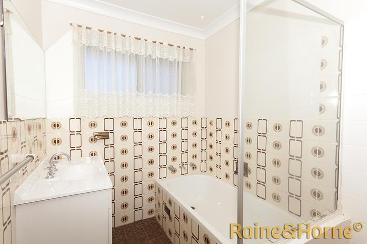 90ad6d69f15b76efb3202761 1433387486 5770 condonplace18 bathroomcompass 1527188544 primary