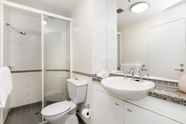 190b9cf791522a0095ec5cb2 10990 bathroom 1527754664 primary