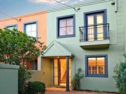 Townhouse - 2A Howard Stree...