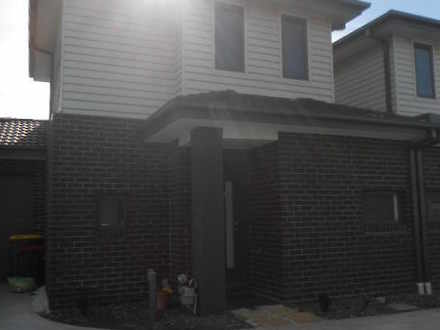 Townhouse - 3/11 Loxwood Co...