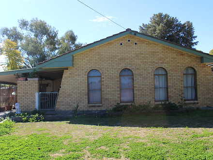 House - 7 Warrina Crescent,...