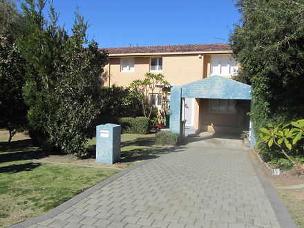 House - 32 Maydwell Way, Ca...