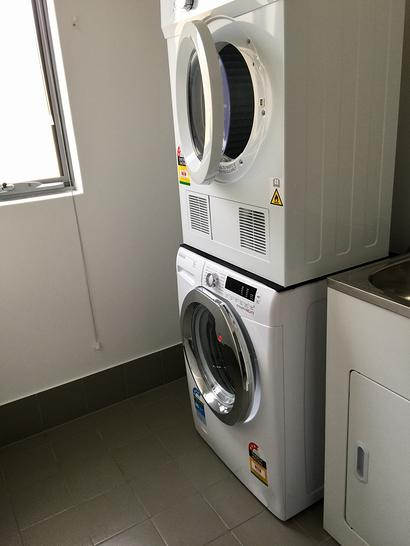 Laundry washer and dryer 1530269514 primary