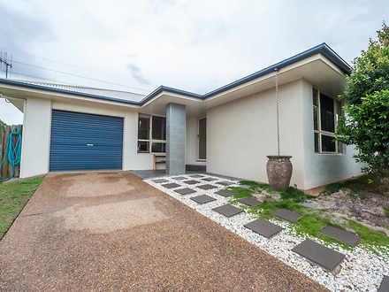 House - 4 Waratah Drive, Av...