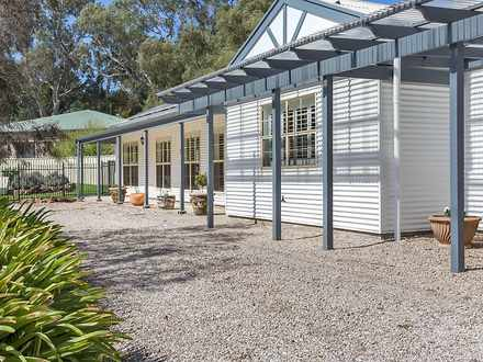 House - 3 Meadows Road, Ech...