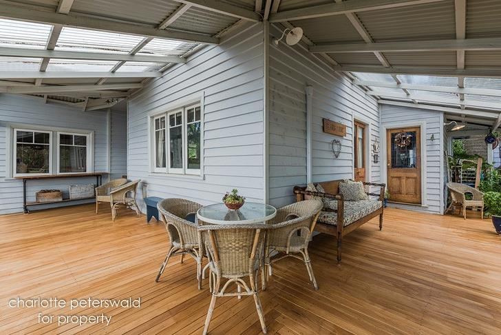 House - 811 Sandy Bay Road,...