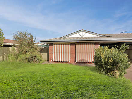 House - 2/15 Lord Howe Aven...