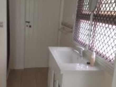 30d8f9d701f7292d9c38bb61 1136 bathroom 1531423542 thumbnail