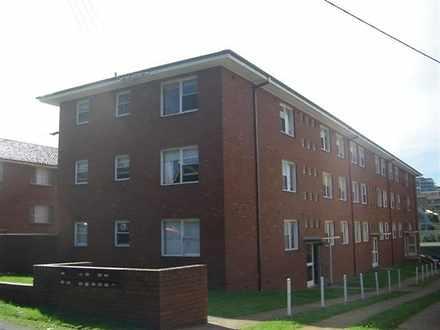 Apartment - 1 / 66 Smith St...