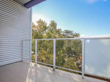 House - 33 / 2 Walsh Loop, ...
