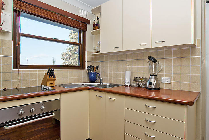 5929335abb784fdc4a61664a 6785 pittwater12u12kitchenweb2012 sep 1589423548 primary