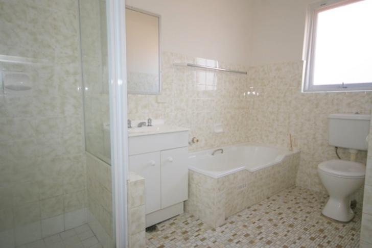 C14b4b3fde2e5f6ff1c300b3 19818 bathroom 1533179866 primary