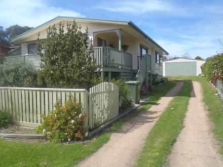 House - 8 Lind Drive, Lake ...