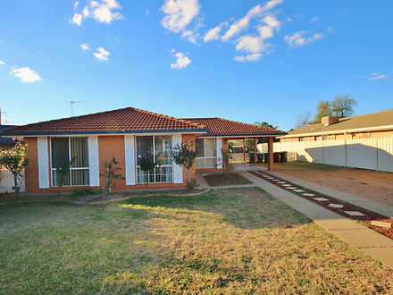 House - 11 Flinders Close, ...