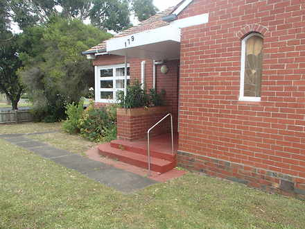House - 179 Bentinck Street...