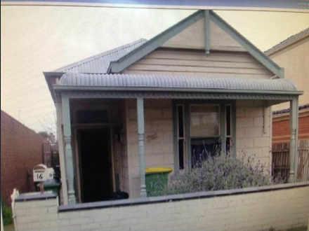 House - 16 Newell Street, F...