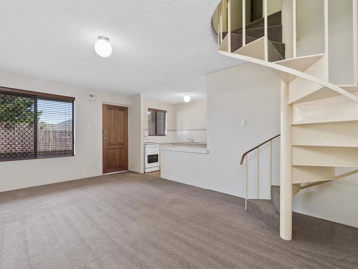 House - 6/246 Flinders Stre...