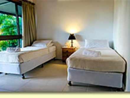 1e7647cfc05623fe609b5eef 7467 bluefin interior bed1smsmall 1534901087 thumbnail