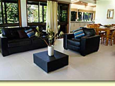 Daf69fb2c62e73d8f8d17da1 10392 bluefin interior loungediningkitchensmsmall 1534901091 thumbnail