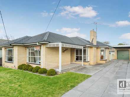 House - 32 Clarence Avenue,...