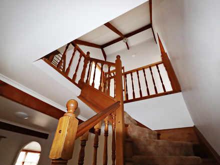 87cdbbe7b8b16a34ce1dfc99 25841 staircase 1535339794 thumbnail