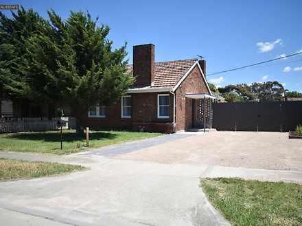 House - 2 Dedrick Grove, Br...