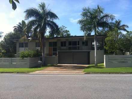 House - 220 Oaka Street, So...