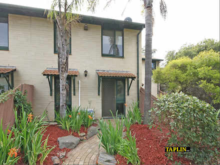 House - 40 Pelican Place, S...