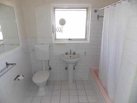 275ca28010421ab98226689c 1459999607 10336 bathroom 1538678764 thumbnail