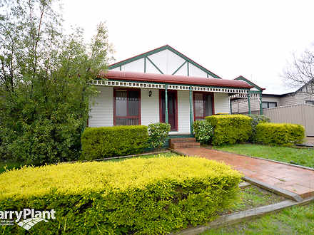 House - 10 Bell Street, Cre...