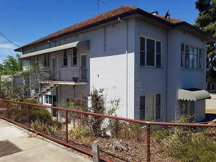 House - 2 / 125 Mitchell St...