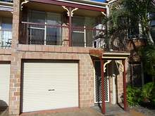 Townhouse - Winston Drive, Bribie Island 4507, QLD